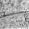 Interieur kelder achtergedeelte- ingekraste lijn in vertinlaag geeft gewelfvorm aan - 's-Gravenhage - 20087053 - RCE.jpg