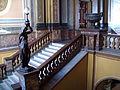 Interior Municipalidad de La Plata IV - Escaleras con estatua.JPG
