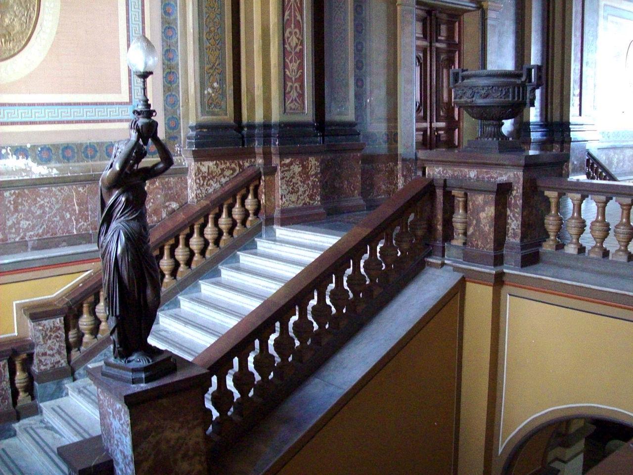 File interior municipalidad de la plata iv escaleras con - Escaleras de interior ...
