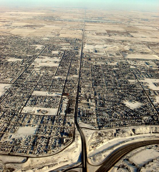 File:International Avenue, Calgary-aerial.JPG