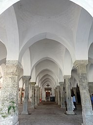 Inteside view of sixty dome mosque.jpg