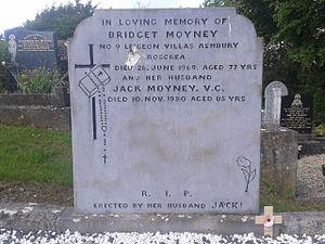 John Moyney - Gravestone of Jack Moyney V.C. in St. Cronan's Cemetery in Roscrea