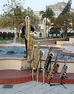 Saxof n wikipedia la enciclopedia libre - Diversi tipi di musica ...