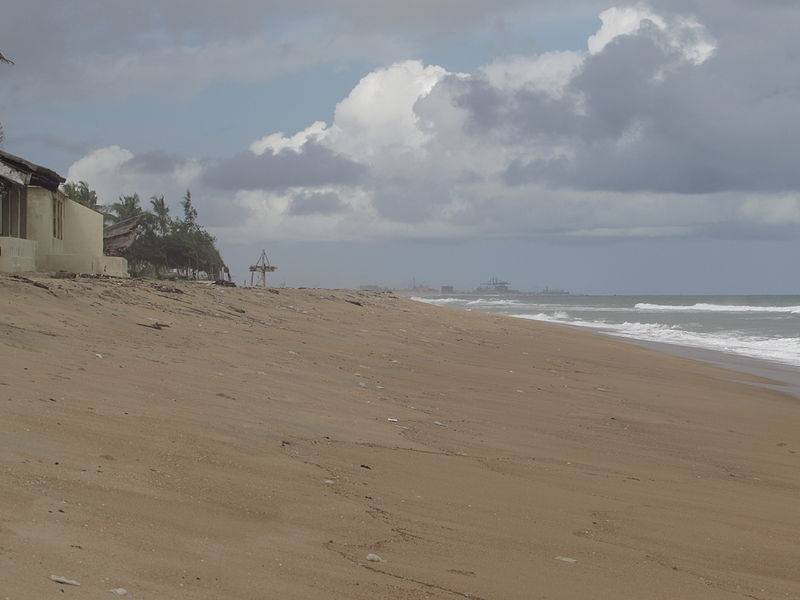 File:Küste Benin Hafen Cotonou.JPG