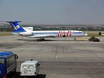 English: Kavminvodyavia Tupolev Tu-154 at Mine...