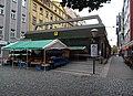 Karlín, Thámova, stanice Křižíkova, stánek s ovocem (01).jpg