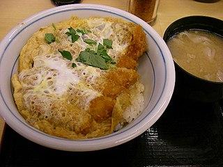 カツ丼と味噌汁