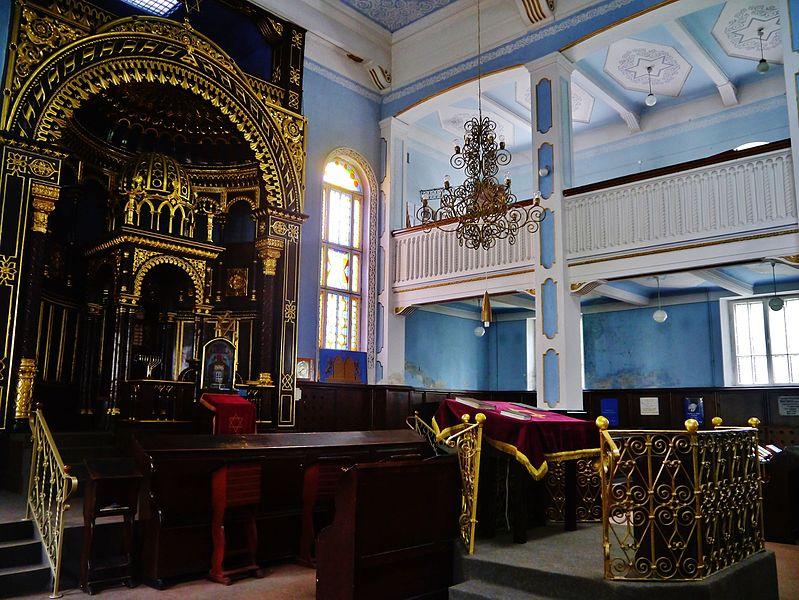 File:Kaunas Synagoge Innen 3.JPG