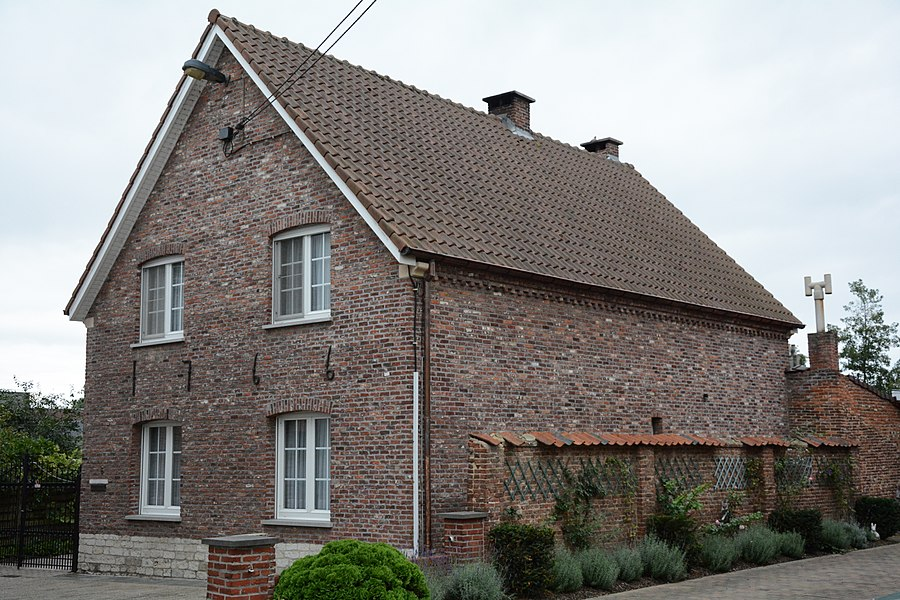"""Boerenhuis met muurankers """"1766"""", Kerkstraat 6, Zemst. Wellicht verbouwd sinds inventarisatie."""