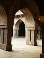 Khirki Masjid Courtyard (3010355204).jpg