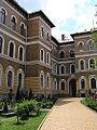Kvár Egyetem belső udvar.jpg