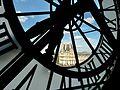 L'horloge et Le Louvre - Musée d'Orsay Paris - 1 sept 2016.jpg