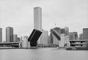 U.S. Route 41 - Double-deck bascule bridge carrying Lake Shore Drive over the Chicago River in 1987.