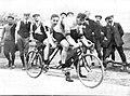Les français Maurice Schilles et André Auffray, vainqueurs de la course en tandem des JO de 1908 (Londres).jpg