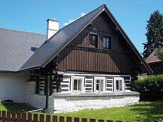 Levínská Olešnice - House no.28, traditional log building in the village