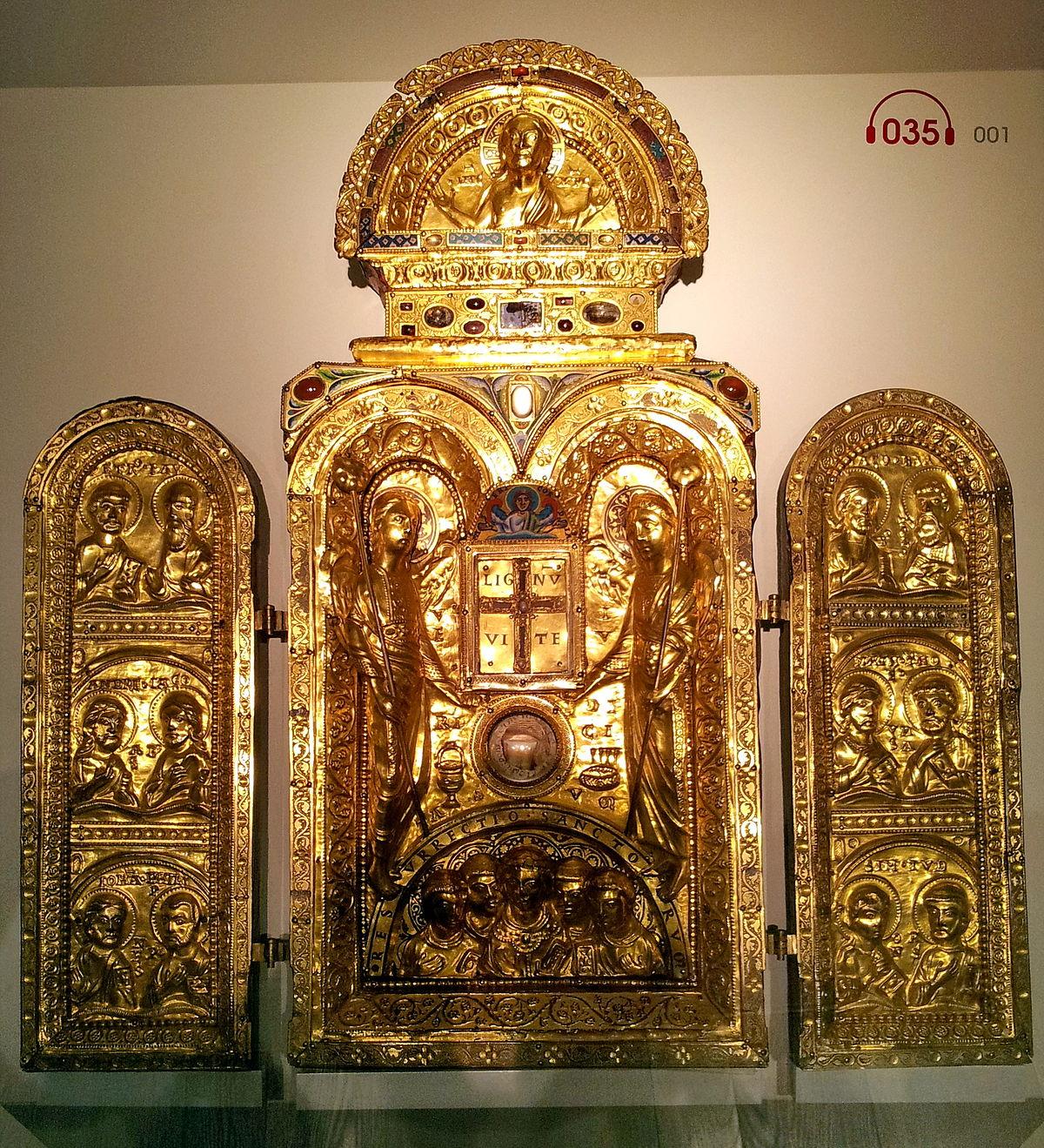 Liège, Grand Curtius. Triptique de la Sainte Croix (Mosan, 1160-70).jpg