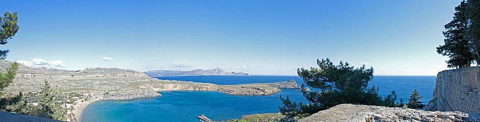 Lindos bay panorama 2010.jpg