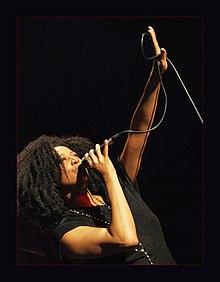Lisa Fischer with mic.jpg