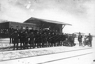 Klaipėda Revolt - Lithuanian rebels at the railway station in Rimkai