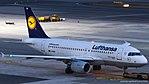 Lufthansa Airbus A319 D-AIBH (33014165530).jpg