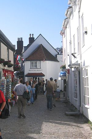 Lymington - Cobbled streets in Lymington town centre