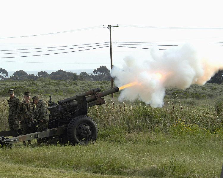 File:M101-105mm-howitzer-camp-pendleton-20050326.jpg