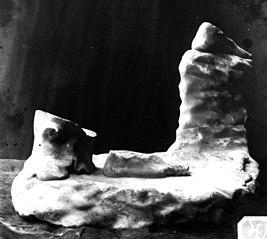 Partie inférieure d'une statue Ra 172