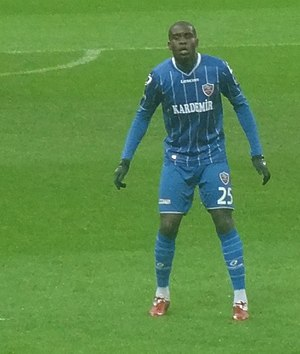 Larrys Mabiala - Mabiala playing for Karabükspor in 2012