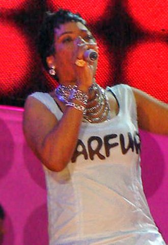 Macy Gray - Gray performing at the Live Earth Brazil concert at Copacabana Beach, Rio de Janeiro on July 7, 2007