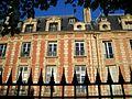 Maisons Places des Vosges.JPG