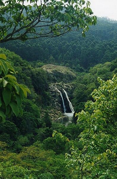 File:Mantenga Falls.jpg