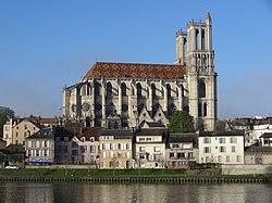 La collégiale Notre-Dame.