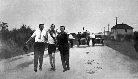Thomas Hicks running the marathon at the 1904 Summer Olympics. - Olympic Games