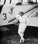 Maria de Lurdes Sá Teixeira junto a um Avro 548 do GEAR.jpg