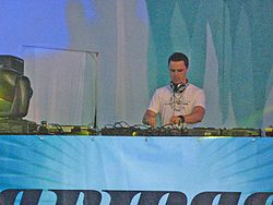 Markus-shulz at mysteryland.jpg