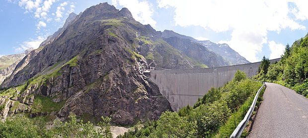 Switzerland has the tallest dams in Europe, among which the Mauvoisin Dam, in the Alps. Hydroelectricity is the most important domestic source of energy in the country. Mauvoisin Dam.jpg