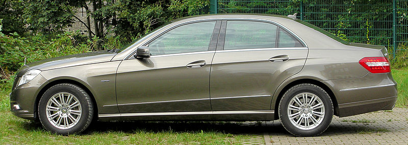 File:Mercedes E 350 CDI BlueEFFICIENCY Elegance (W212) side 20100822.jpg