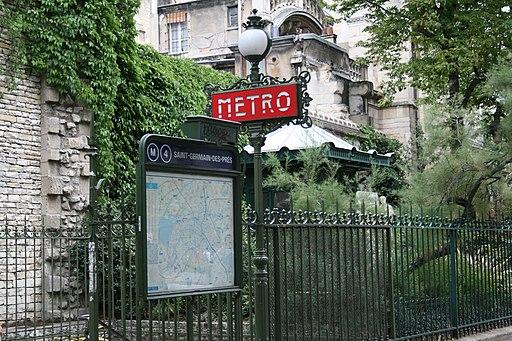 Metro Saint-Germain-des-Prés, Paris 9 August 2007