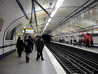 Concorde (Paris Métro) - Image: Metro de Paris Ligne 12 Concorde 02