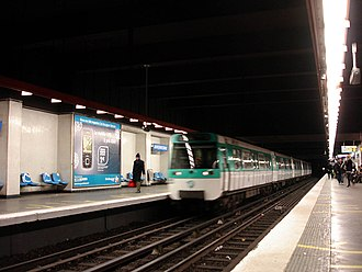 Miromesnil (Paris Métro) - Image: Metro de Paris Ligne 13 Miromesnil 03