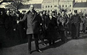 Mihály Károlyi - Mihály Károlyi in a speech