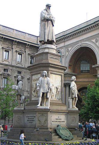 Piazza della Scala - Image: Milano Statua di Leonardo