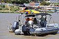 Militares da Capitania dos Portos abordam embarcação no rio Paraguai (8091574797).jpg