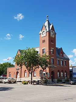 The Minnedosa Dominion Post Office in downtown Minnedosa.