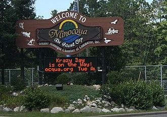 Minocqua, Wisconsin - Image: Minocqua Wisconsin Welcome Sign
