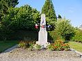 Monument aux morts de Couesmes 3.JPG