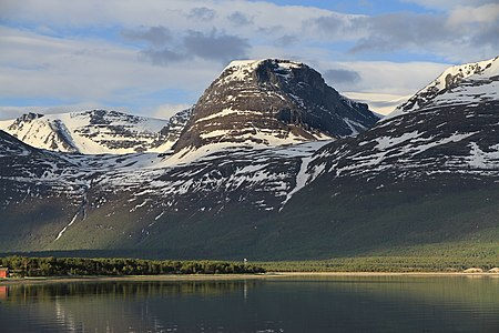 Mountain above Skibotn 2, 2011 June.jpg