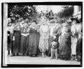 Mrs. Harding & Daughters of 1812, 4-26-21 LOC npcc.04009.tif