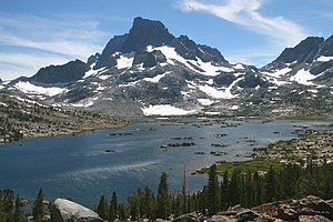 Thousand Island Lake (2997m) and Banner Peak (...