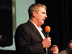 Munchak speaking at a sports convention